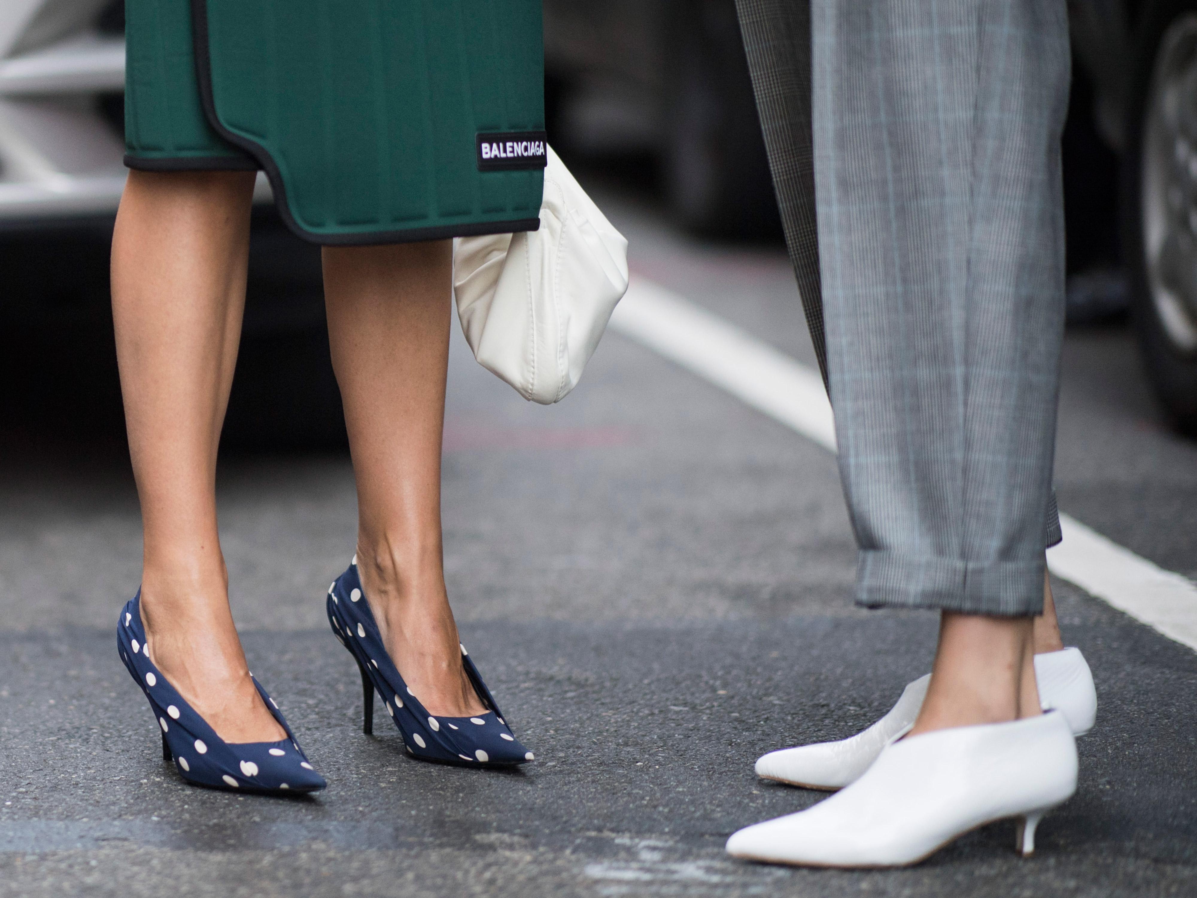 Πέντε είδη παπουτσιών που πρέπει να «ξεφορτωθείς» τώρα από την γκαρνταρόμπα σου