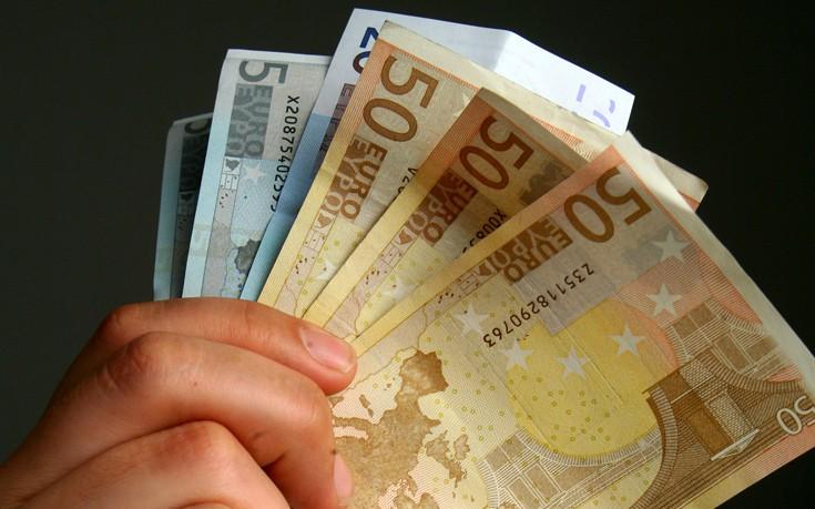 Εφάπαξ επίδομα 400 ευρώ σε άνεργους νέους με αίτηση στο www.oaed.gr