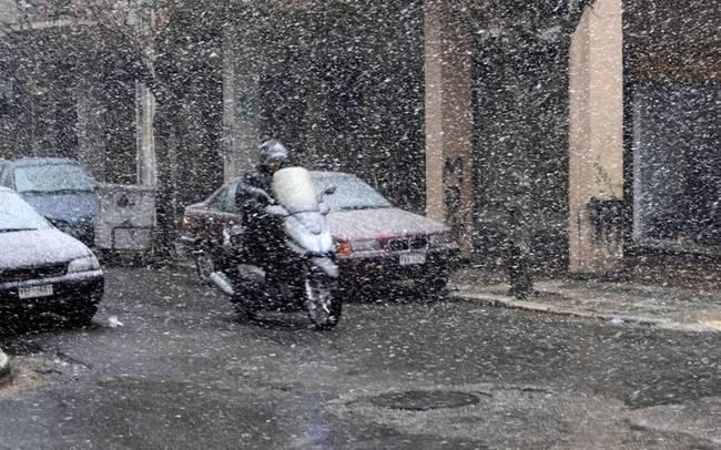 ΕΜΥ: Επιδείνωση του καιρού με καταιγίδες και χιονοπτώσεις