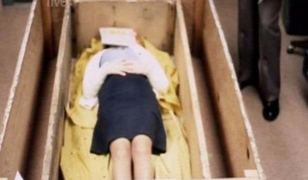 Tην κρατούσαν σε φέρετρο ζωντανή για 7 χρόνια