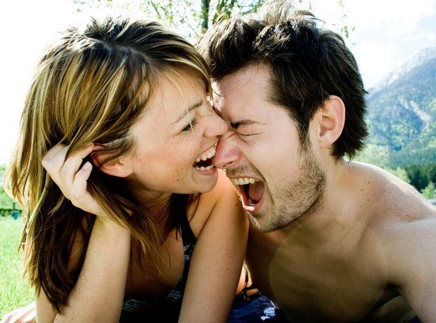 3 ερωτικές στάσεις αν σου αρέσει το spanking