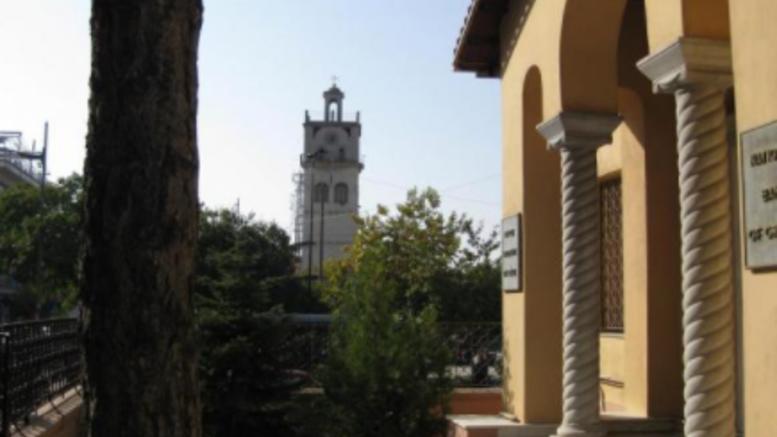 Κοζάνη: Άνδρας εισέβαλε σε τράπεζα και ξεγυμνώθηκε