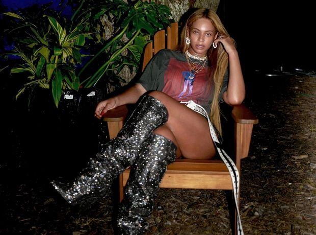 Η Beyoncé ζει ένα ατέλειωτο καλοκαίρι (γιατί μπορεί)