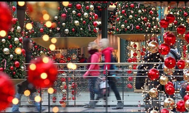 Ανεβασμένος ο τζίρος των καταστημάτων τις ημέρες των Χριστουγέννων