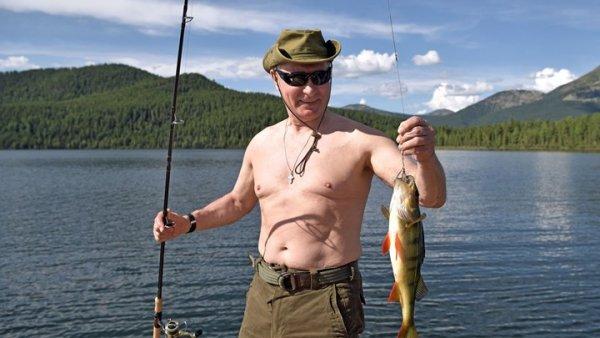 Γιατί ο Πούτιν κάνει μπάνιο σε…αίμα ελαφιού;