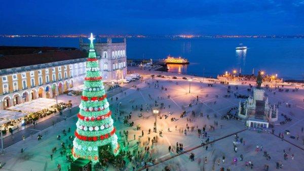 Δέκα από τα πιο εντυπωσιακά χριστουγεννιάτικα δέντρα του 2017 (ΦΩΤΟ)
