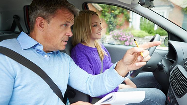 Χανιά: Πρώην εκπαιδευτής οδήγησης παρέδιδε παράνομα μαθήματα