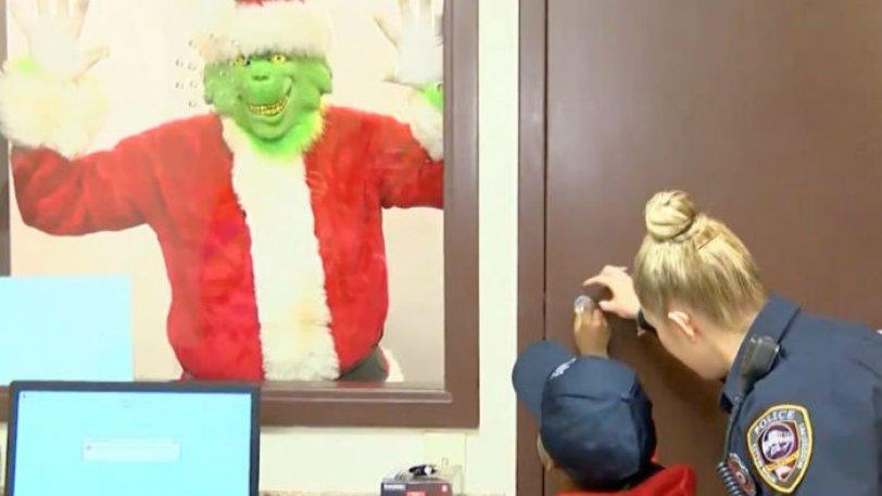 Μπόμπιρας κάλεσε την αστυνομία για να μην κλέψει ο Γκριντς τα Χριστούγεννα [βίντεο]
