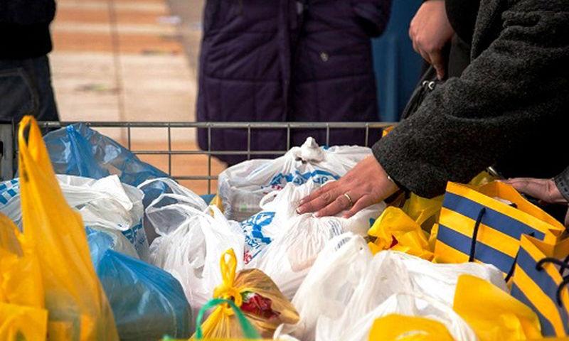 Ο Δήμος Αθηναίων διανέμει τρόφιμα και είδη πρώτης ανάγκης