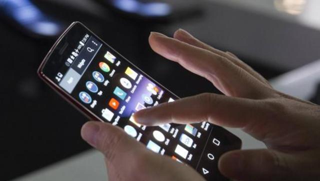 Έρευνα: O εθισμός στα κινητά και το ίντερνετ προκαλεί εγκεφαλική ανισορροπία