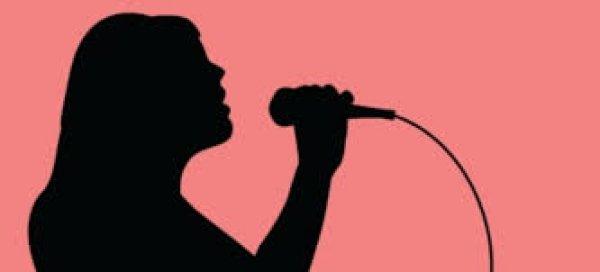 Ελληνίδα τραγουδίστρια… άναψε φωτιές με το ποστάρισμά της και τα «προσόντα» της (φωτό)