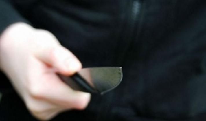 Κρήτη: Θαμώνες καφενείου δέχθηκαν επίθεση με κουζινομάχαιρο