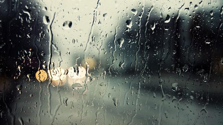 Καιρός: Βροχές, ισχυροί νοτιάδες και Αφρικανική σκόνη το Σαββατοκύριακο