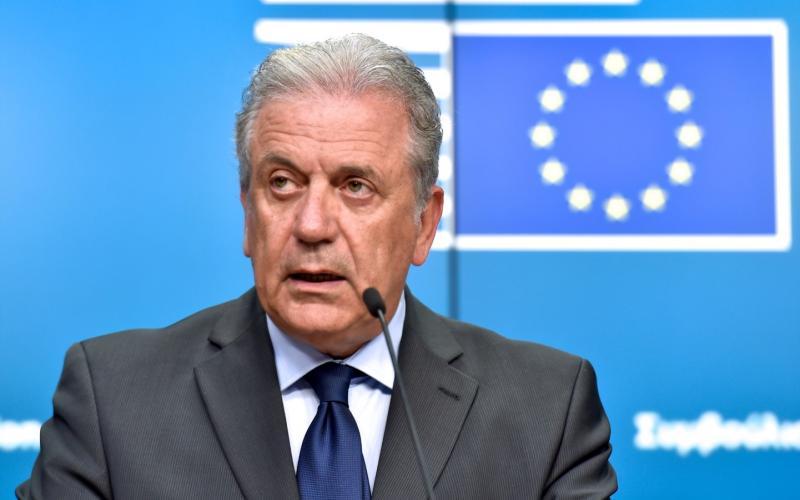 """Αβραμόπουλος: """"Απαράδεκτη"""" και """"αντιευρωπαϊκή"""" η πρόταση Τουσκ"""