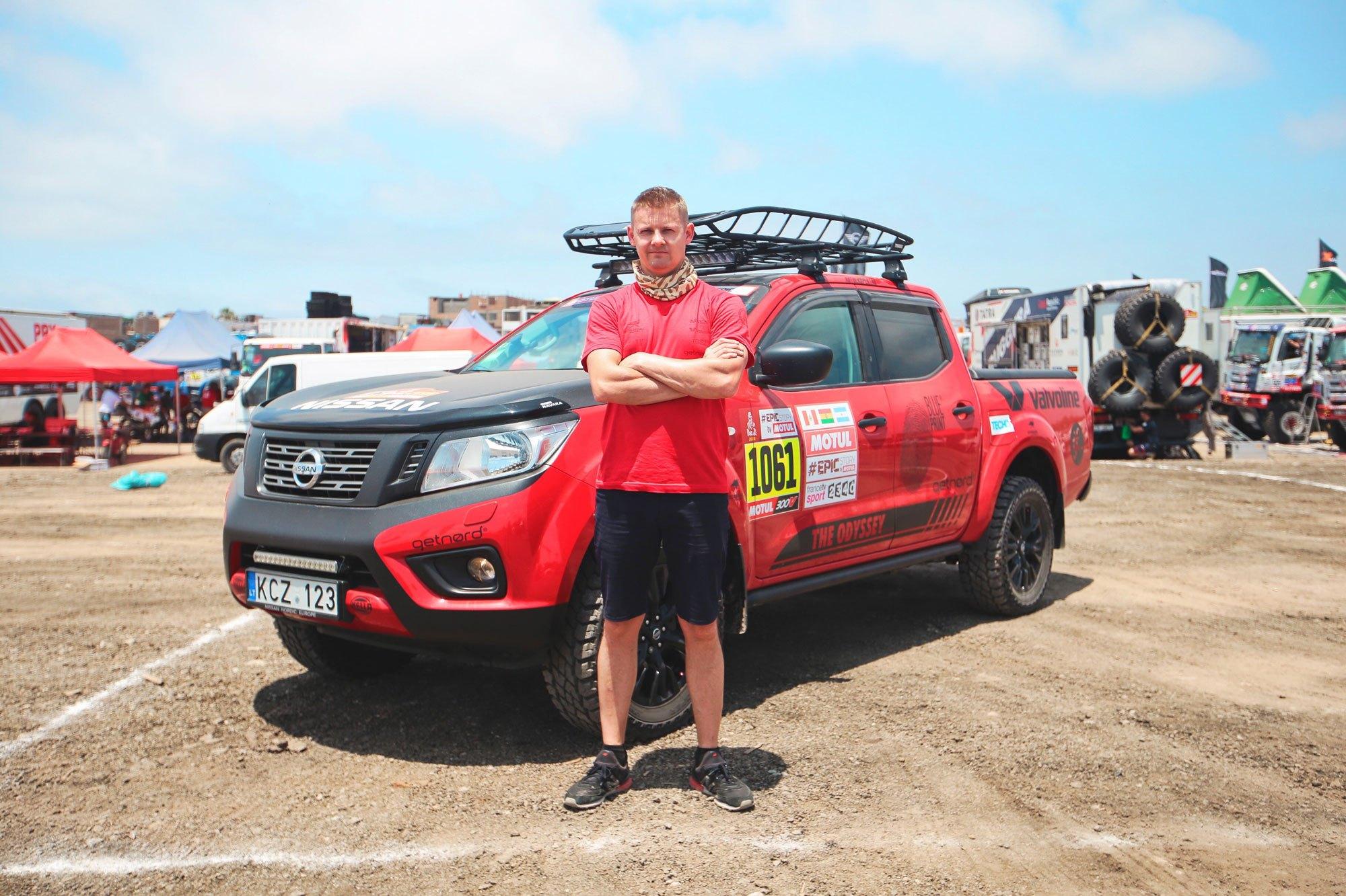 Ένας άνδρας κάνει το όνειρό του πραγματικότητα με Nissan NAVARA στο Ράλι Ντακάρ !
