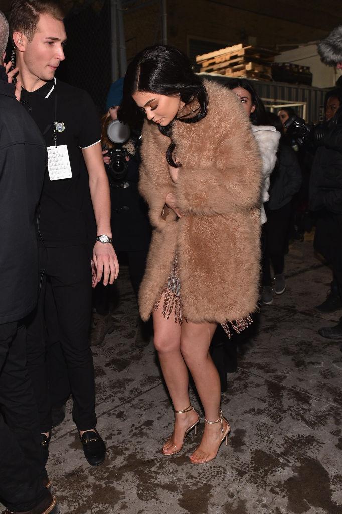 Tα δέκα πιο sexy παπούτσια που έχουν φορέσει ποτέ οι αδερφές Kardashian-Jenner