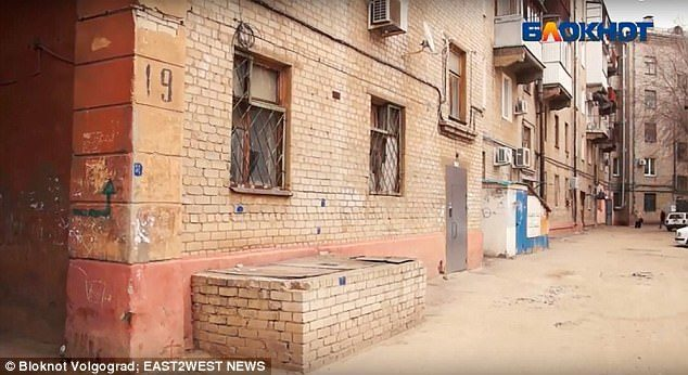 Ζευγάρι βίαζε την 12χρονη κόρη του για να χάσει την παρθενιά της από τους ίδιους