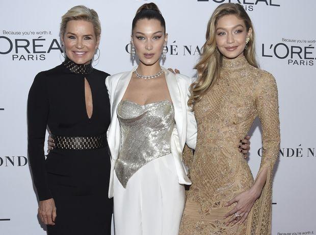 Οι αδερφές Hadid γιορτάζουν τα γενέθλια της μαμάς τους και είναι και οι 3 υπέροχες