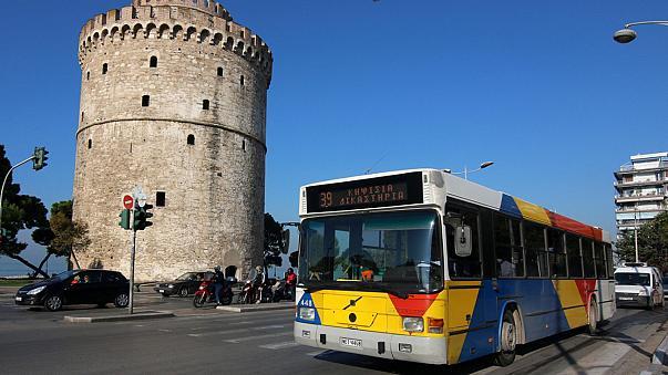 Θεσσαλονίκη: Λεωφορείο εγκλωβίστηκε για 10 ώρες εξαιτίας παρκαρισμένου Ι.Χ.