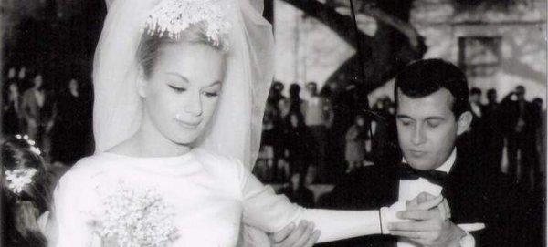 Ο γάμος της Αλίκης Βουγιουκλάκη και του Δημήτρη Παπαμιχαήλ, 53 χρόνια πριν – Το Givenchy νυφικό από τη… Νίτσα και το ξύλο