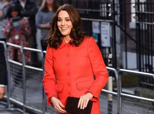 Η Kate Middleton επιλέγει χρωματιστά παλτό στην εγκυμοσύνη