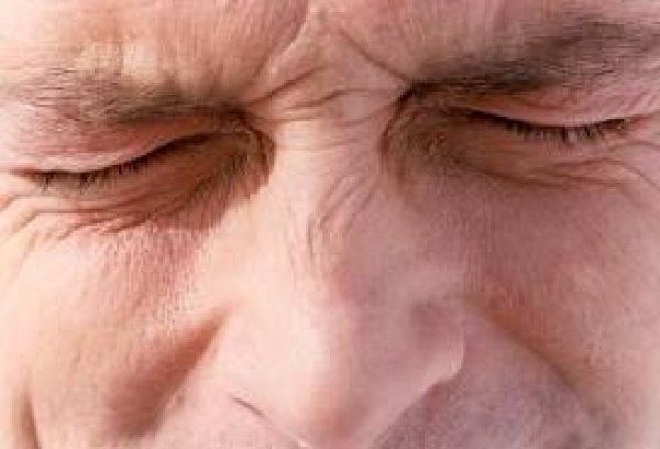 Oι πόνοι στην μέση που προειδοποιούν για σοβαρές ασθένειες
