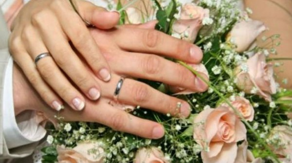 To…τερμάτισε! Τι μπορεί να παντρευτεί μια γυναίκα που βαρέθηκε τους άντρες; (ΕΙΚΟΝΕΣ)