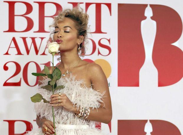 Brit Awards 2018: Οι καλύτερες εμφανίσεις από το κόκκινο χαλί