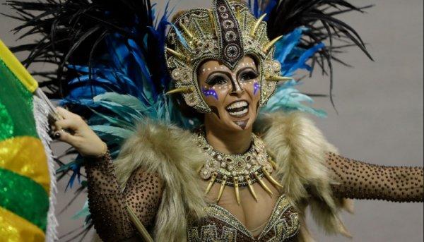"""""""Τρέλα"""" στο Καρναβάλι του Ρίο"""