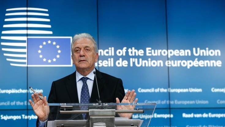 Αβραμόπουλος: Πρότυπο η συνεργασία ΕΕ – Αλβανίας