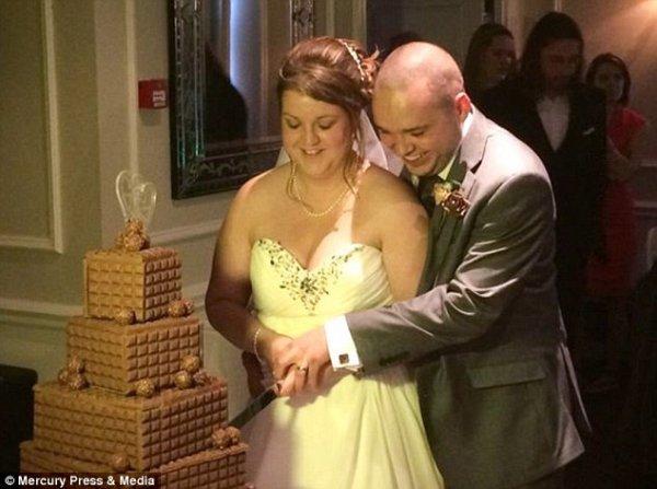 Νιόπαντρο ζευγάρι έκανε μήνυση στον φωτογράφο του γάμου του – Τι φωτογράφιζε (φωτό)