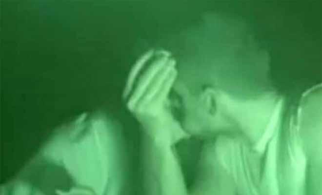 Survivor 2: Φιλήθηκαν παίκτες των Μαχητών; Τα τρυφερά τετ α τετ και το πλάνο που μας προβλημάτισε! [Βίντεο]