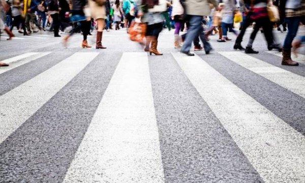Ανακατασκευή δρόμου. Πως γίνεται στην Ελλάδα; Καμία σχέση (EΙΚΟΝΕΣ)