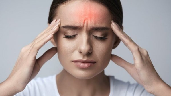 6 αιτίες πονοκεφάλου που δεν θα φανταζόσουν ποτέ