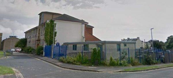 Συναγερμός στη Μεγάλη Βρετανία: Εκκενώνουν σχολεία μετά από απειλές για επίθεση
