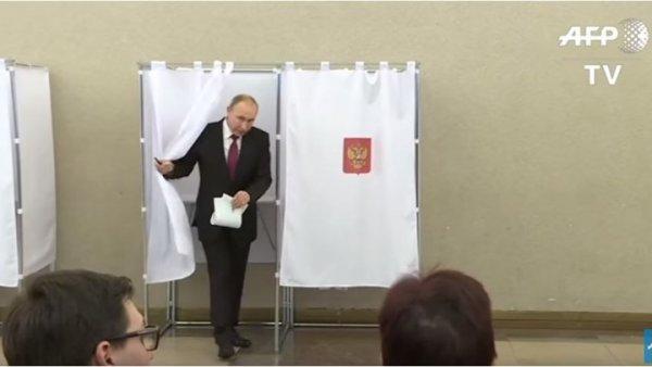 """Εκλογές στη Ρωσία – Πούτιν: """"Δεκτό οποιοδήποτε αποτέλεσμα αρκεί να είμαι εγώ Πρόεδρος"""""""