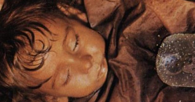 Πανικός στους αρχαιολογικούς κύκλους για την μούμια μικρού κοριτσιού που ανοίγει τα μάτια της [video]