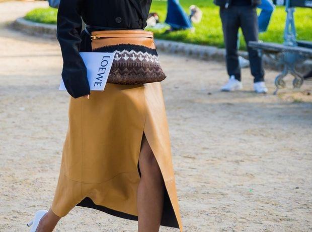 Ο πιο cool τρόπος να φορέσεις την belt bag, την απόλυτη τάση της σεζόν