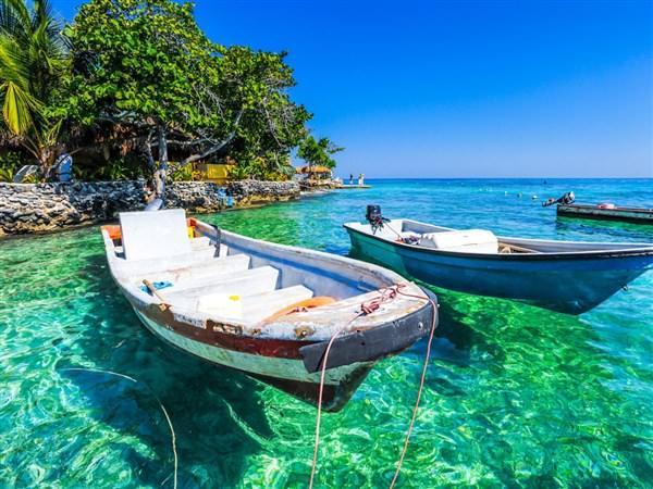 Στην Λευκάδα η παραλία με τα πιο γαλάζια νερά στον κόσμο