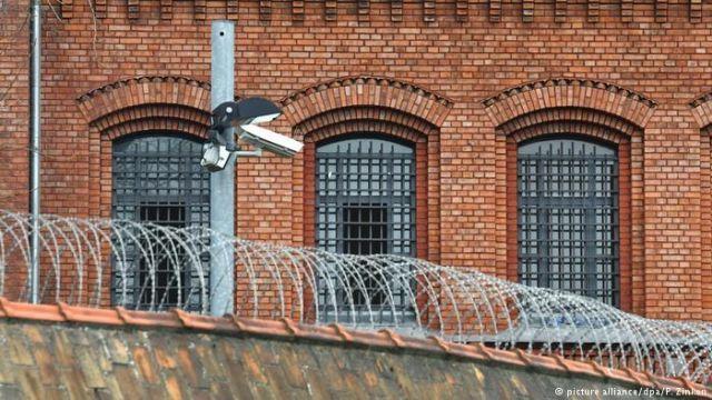 Κρατούμενος μετέφερε κάνναβη μέσα σε μπουκάλια σαμπουάν