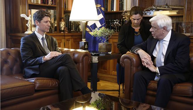 Παυλόπουλος: Η Τουρκία πρέπει να σεβαστεί τη συμφωνία με την ΕΕ για το μεταναστευτικό