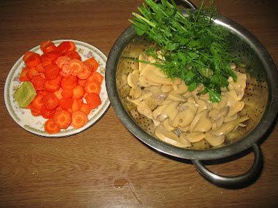Κοτόπουλο με μανιτάρια και καρότα !!!