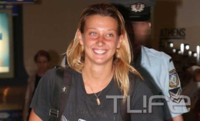 Survivor: Η Ντάρια επέστρεψε στην Ελλάδα και μια έκπληξη την περίμενε στο αεροδρόμιο