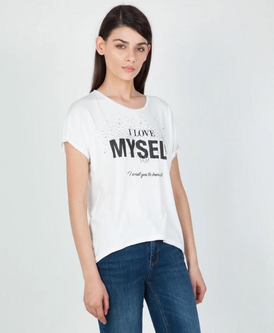 Λευκό T-Shirt: Ανακάλυψε τα δέκα πιο στυλάτα σχέδια για το Νο1 καλοκαιρινό top
