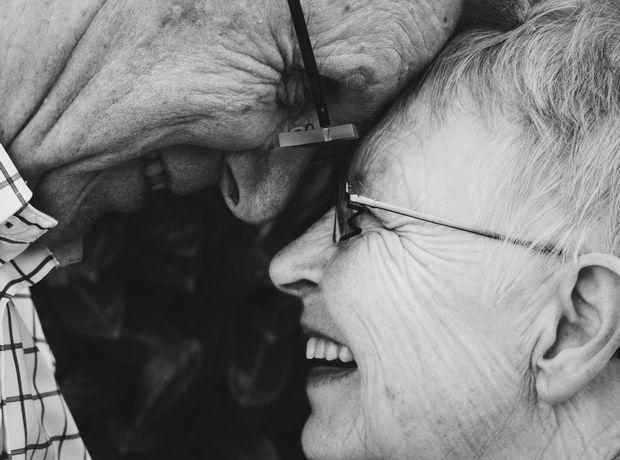 Ο μοναδικός παράγοντας που χτίζει μακροχρόνιες (και ευτυχισμένες) σχέσεις