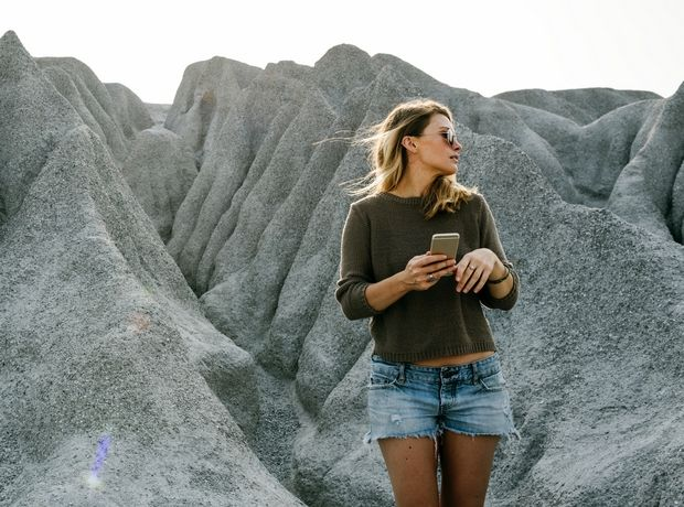 Ο λόγος που μπαίνουν οι γυναίκες στο Tinder δεν είναι αυτός που φαντάζεσαι