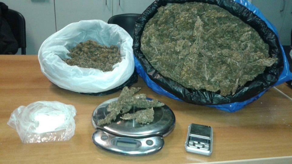 Ιωάννινα: Κύκλωμα μετέφερε ναρκωτικά κρυμμένα μέσα σε έπιπλα