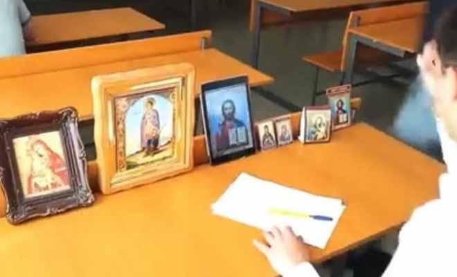 Ο μαθητής που δίνει εξετάσεις με την… εξελιγμένη βοήθεια του Θεού [Βίντεο]