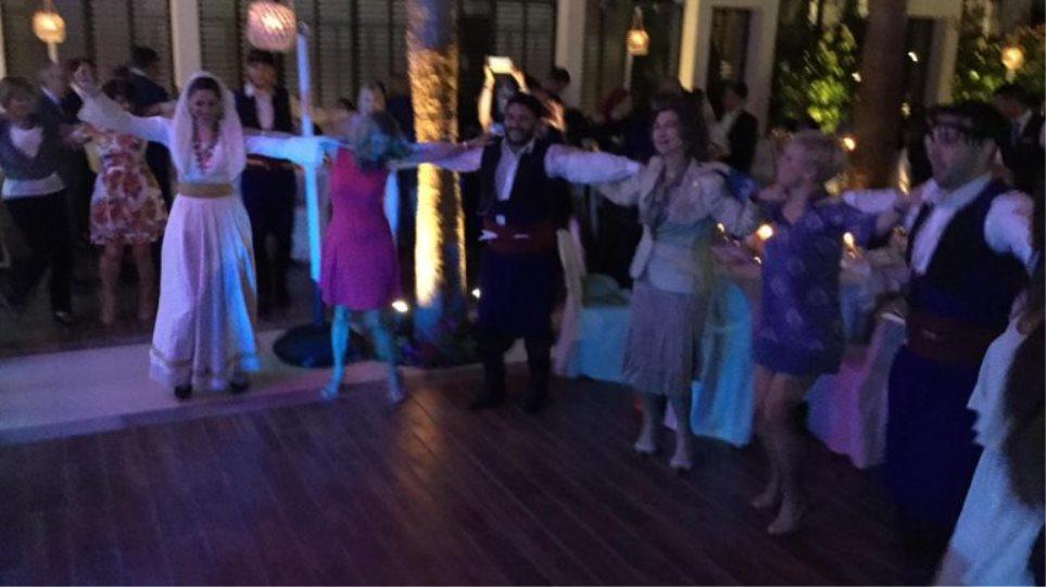 Έσυρε το χορό στην Κρήτη η τέως βασίλισσα Σοφία [βίντεο]