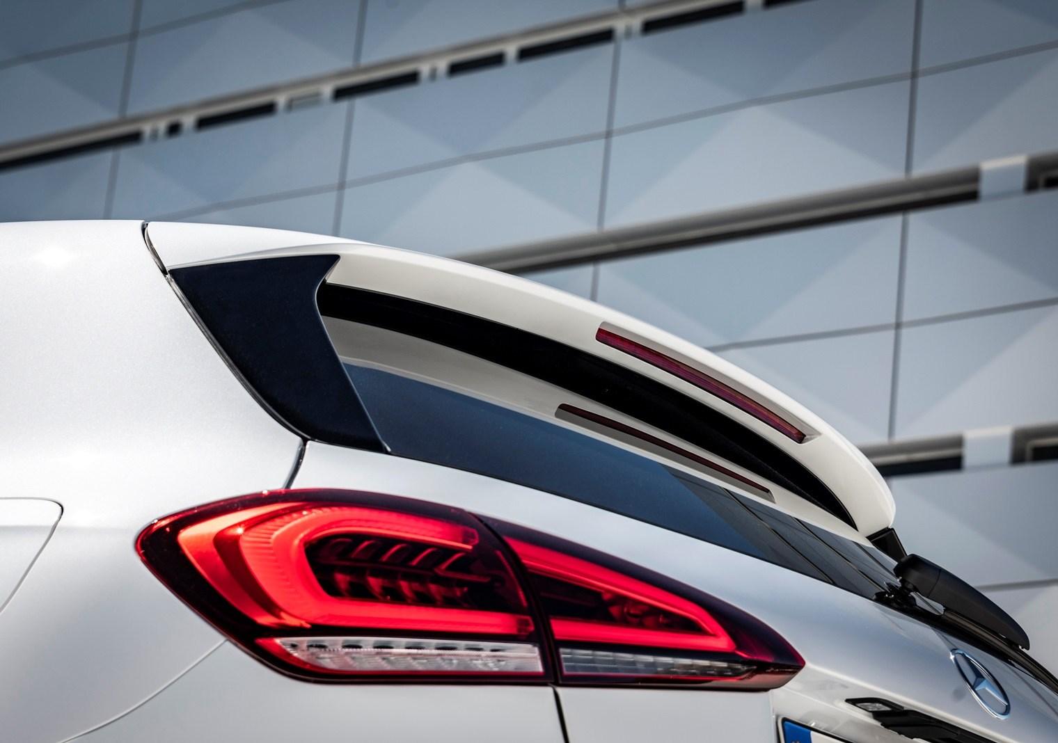 Η παρουσίαση της 4ης  γενιάς της Mercedes-Benz A-Class στο Τροκαντερό